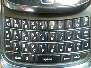 English: An image of a mobile phone's QWERTZ k...